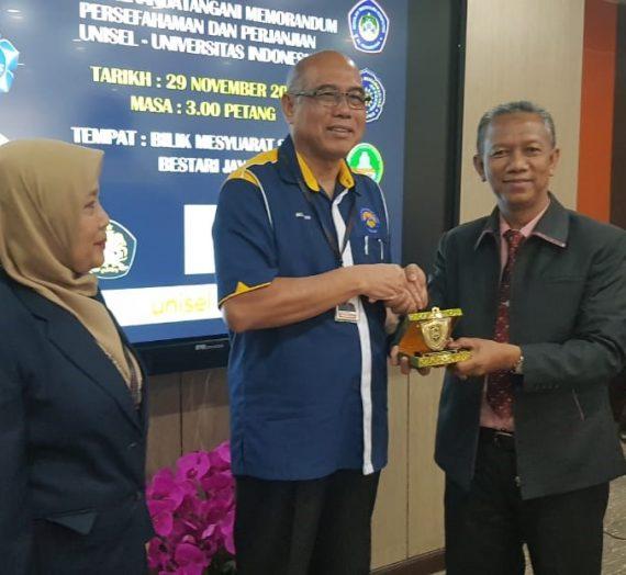 UIR dan UNISEL Malaysia Teken Memorandum Kesepahaman dan Perjanjian