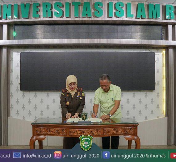 Universitas Islam Riau dan Kajati Riau Nota Kesepakatan Bersama